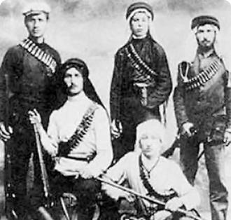 أعضاء من ميليشيا إرغون الصهيونية أثناء فترة الانتداب البريطاني قبل 1948
